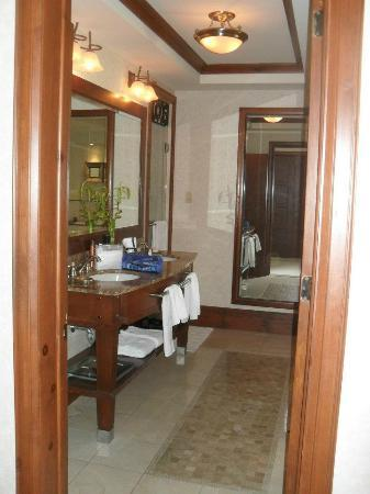 Hotel Quintessence: luxurious bathroom