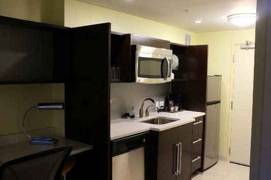 Home2 Suites by Hilton Baltimore Downtown: My room