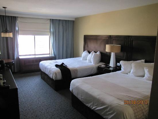 excalibur tower room review