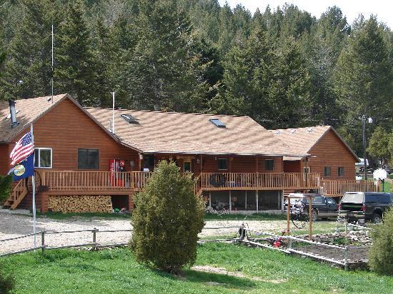 Broken Arrow Lodge