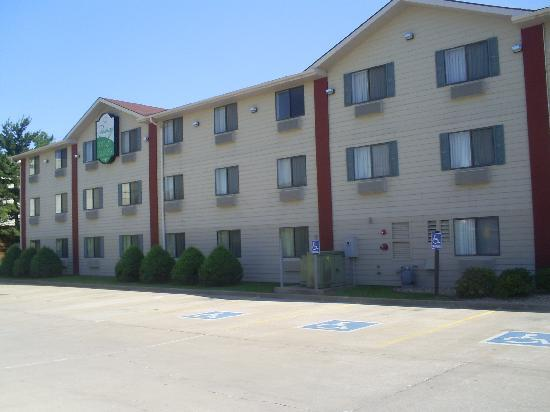 Photo of Quincy Inn & Suites