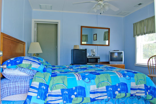 Core Creek Lodge: One of the deluxe rooms