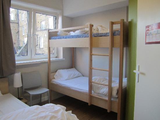 Baden-Powell House Hostel: our 4 bed room for our family...worked out excellent!