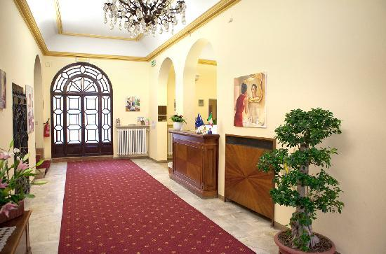 Hotel Accademia : Reception