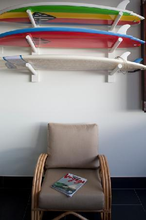 Quiksilver Apartments: surfboard rack
