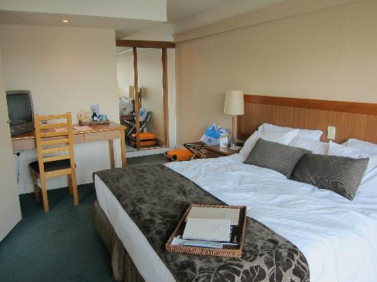 Rydges Lakeland Resort Hotel Queenstown: Bedroom with king size bed