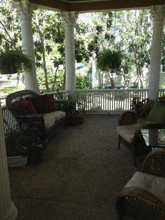 ‪‪1908 Ayres Inn‬: Lovely Front Porch Area‬