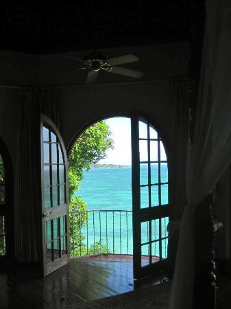 Bluefields Bay Villas: A view from another villa that we visited