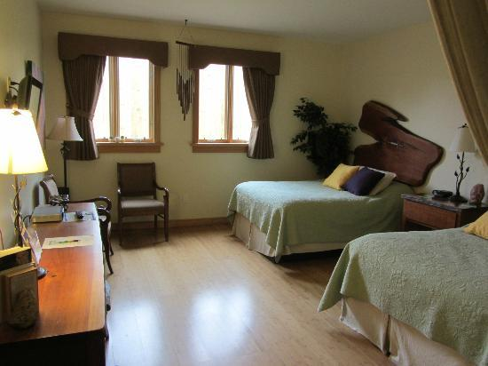Floyd, Βιρτζίνια: 2 double beds, Holistic Yoga room...