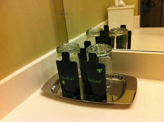 Jefferson Clinton Hotel: Washroom Goodies