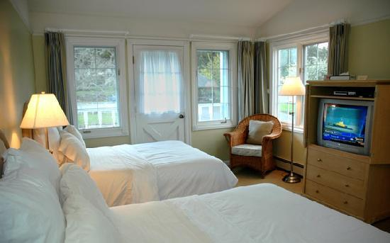 Photo of Outlook Inn on Orcas Island Eastsound
