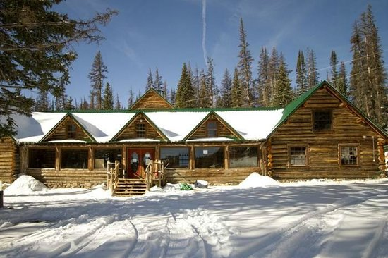 Snowy Mountain Lodge