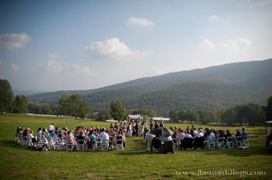 Stone Tavern Farm: Get married on a Mountaintop