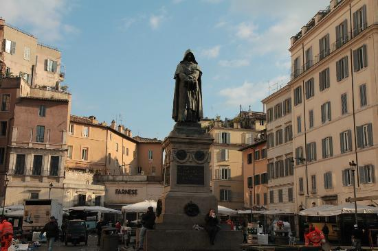 Statue Of Giordano Bruno 2 Picture Of Statue Of