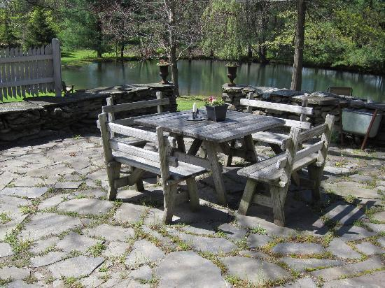 Olde Rhinebeck Inn: Eat your lunch here!