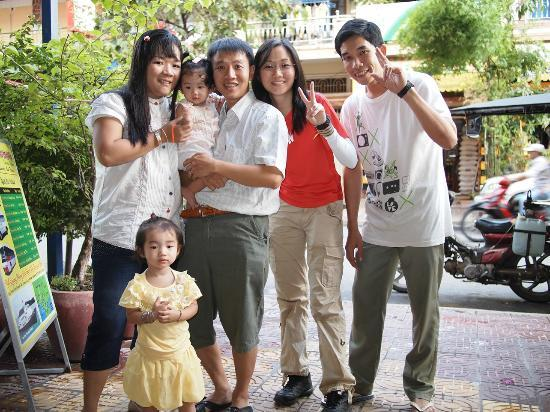 Europe Guest House: Me with Mr Seng, his family and Mr Lim