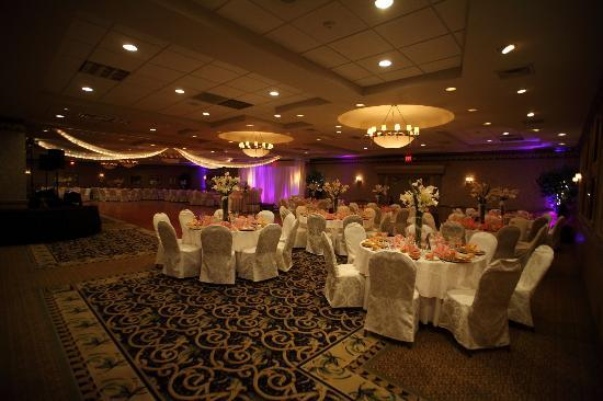 Holiday Inn East Windsor: The ballroom at my wedding