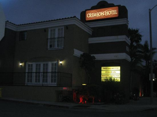 Crimson Hotel: The hotel at night