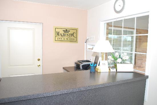 Majestic Inn & Suites: Express Check-IN Service, Just For You.