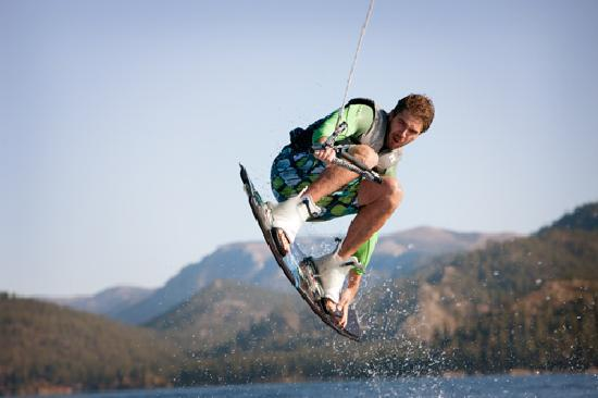 South Lake Tahoe, CA: Wakeboarding at Tahoe South