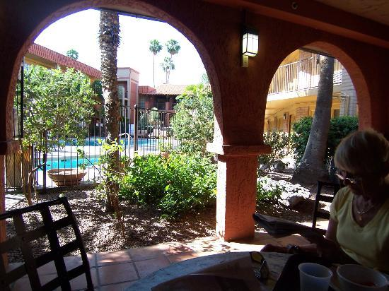 Embassy Suites Hotel Tucson-Williams Center: from our breakfast table