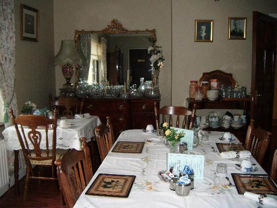 Gallows View: Breakfast Room