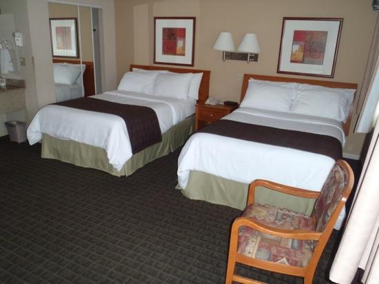 BEST WESTERN Capilano Inn & Suites: Double room