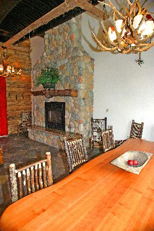 Finger Lakes Lodging: The Great Room