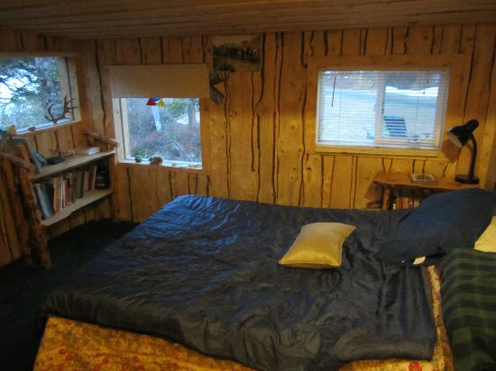 Adventure Denali: beach cabin bedroom