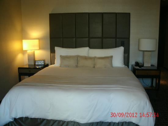 The Hazelton Hotel : Luxury King Bed