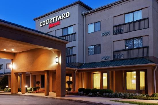 ‪Courtyard by Marriott Tallahassee North / I-10 Capital Circle‬