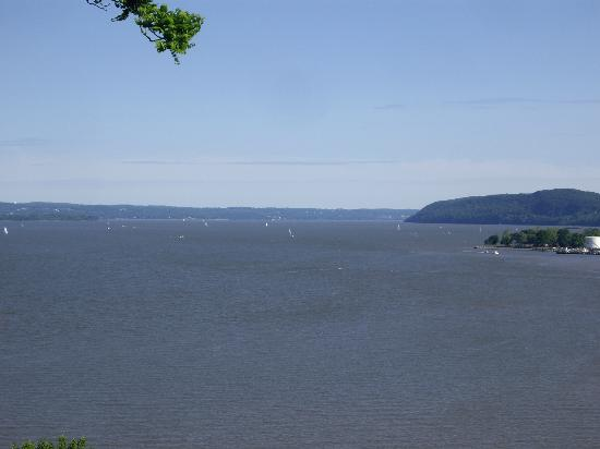 Stony Point, นิวยอร์ก: View of the Hudson River