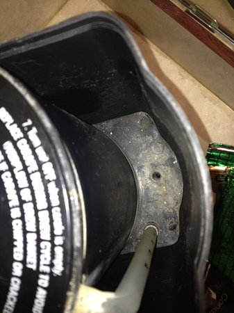 Rodeway Inn & Suites of Nampa: mold in coffee maker