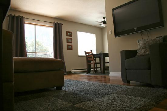 Pictures of Bed and Breakfast Squamish, Squamish - Bed and ...