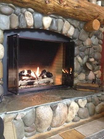 South Lake Tahoe, CA: fireplace