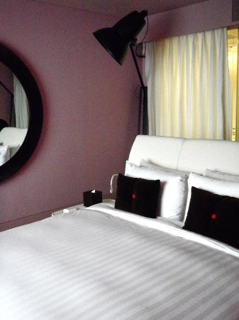 THE PLAZA Seoul, Autograph Collection: Comfy bed and trendy furnishings