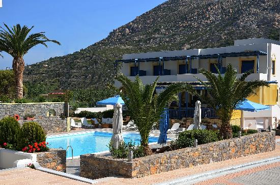 Emporios Bay Hotel