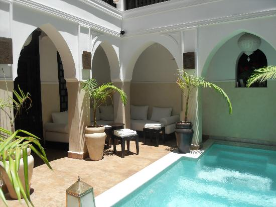 Riad Aliya: View from ground floor blue room in to courtyard