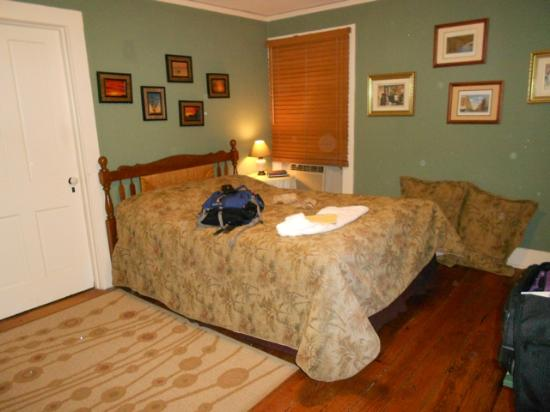 Elizabeth City Bed and Breakfast: Room