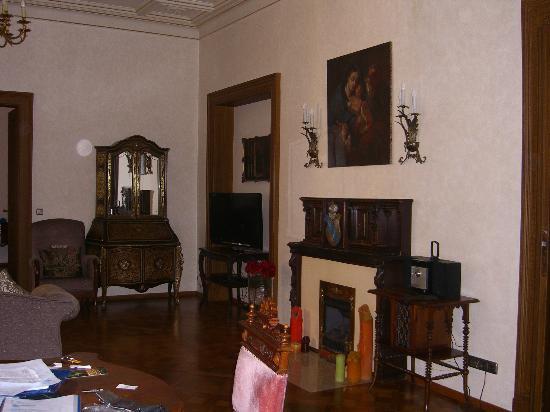 Tv lounge room picture of malostranska residence prague for Malostranska residence tripadvisor