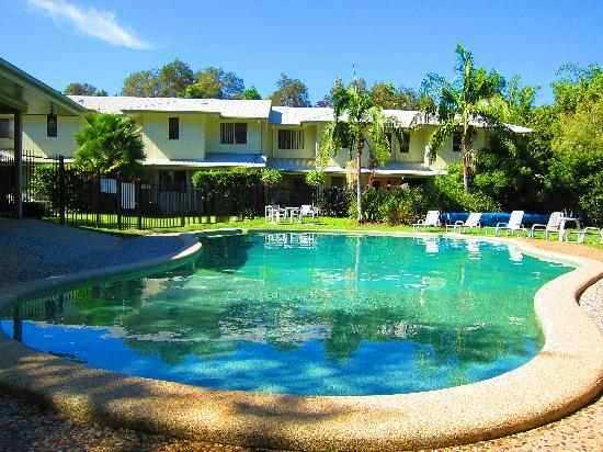 Byron Lakeside Apartments: Tropical Surrounds