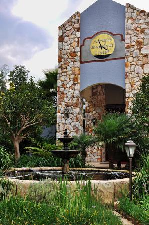 Afrique Boutique Hotel Oliver Tambo