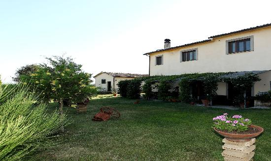 Baschi, Italia: getlstd_property_photo
