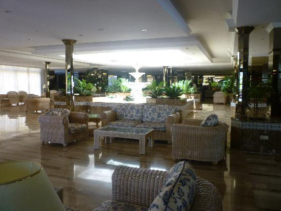 Spring Hotel Bitacora: reception area