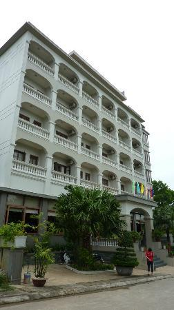 Hoa Binh Ha Long Hotel