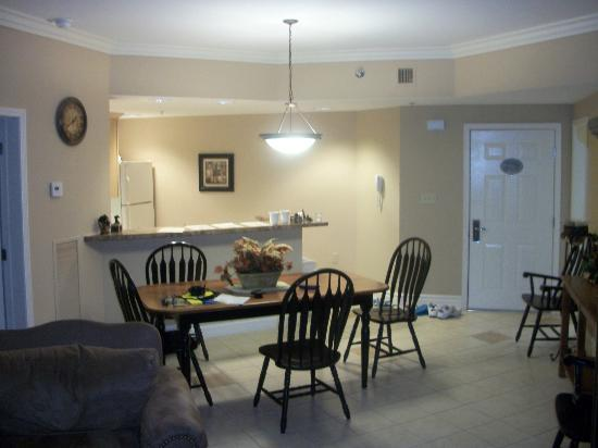 Baskins Creek Condominiums: Dinning Area