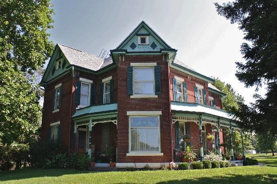 Nauvoo Grand Bed And Breakfast