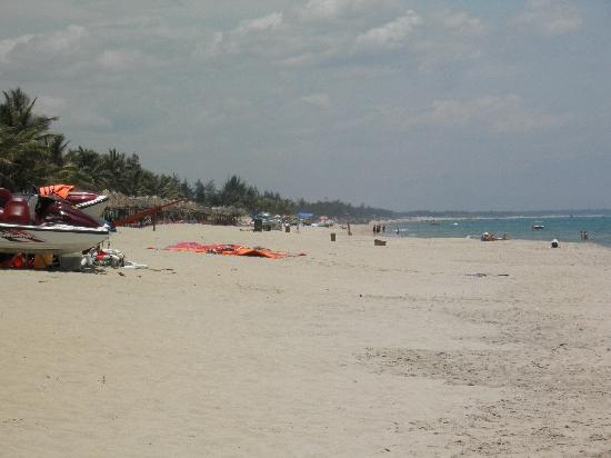 Pictures of Cua Dai Beach - Attraction Photos