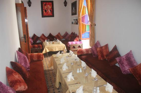 La salle manger marocaine picture of restaurant des for La salle a manger restaurant
