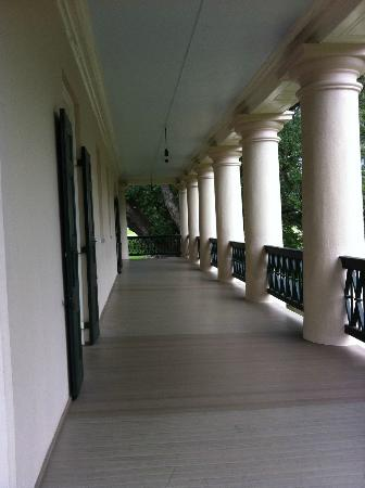 Second floor balcony surrounds all four sides picture of for Balcony surrounds